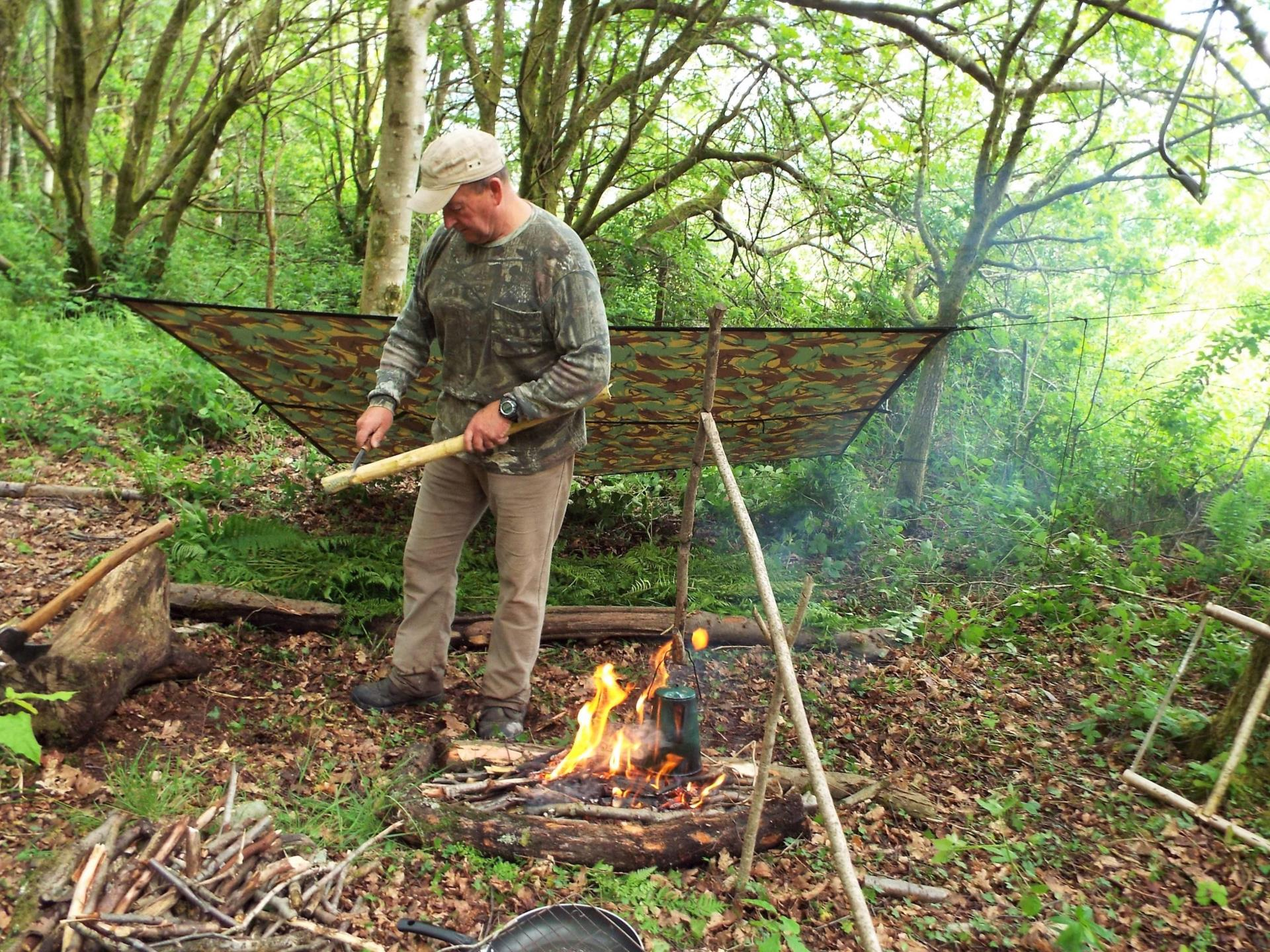 Setting up a Bushcraft Camp