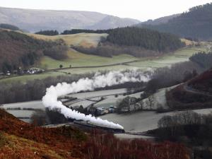 Steaming through the beautiful Dee Valley