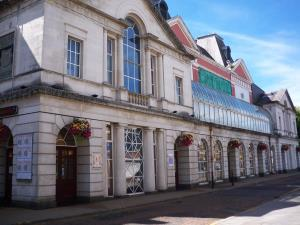 Swansea Grand Theatre External