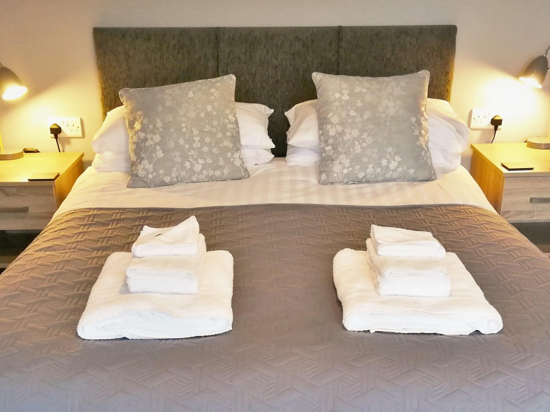 Room 1 - King size bed