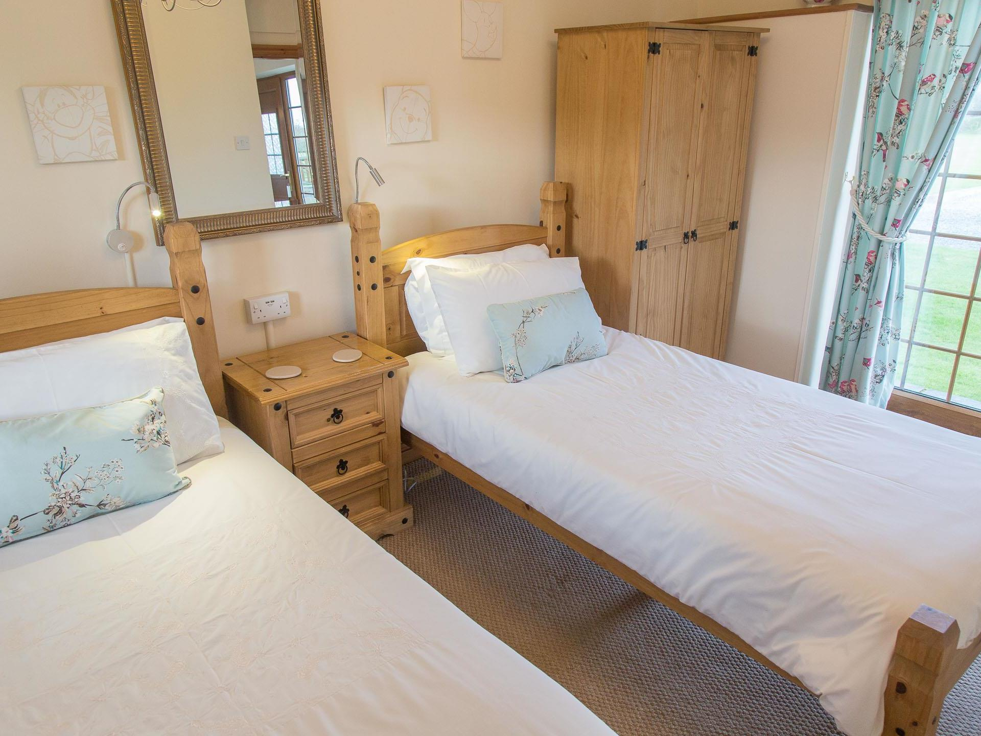 Elidir Cottage Anglesey, Twin Bedroom