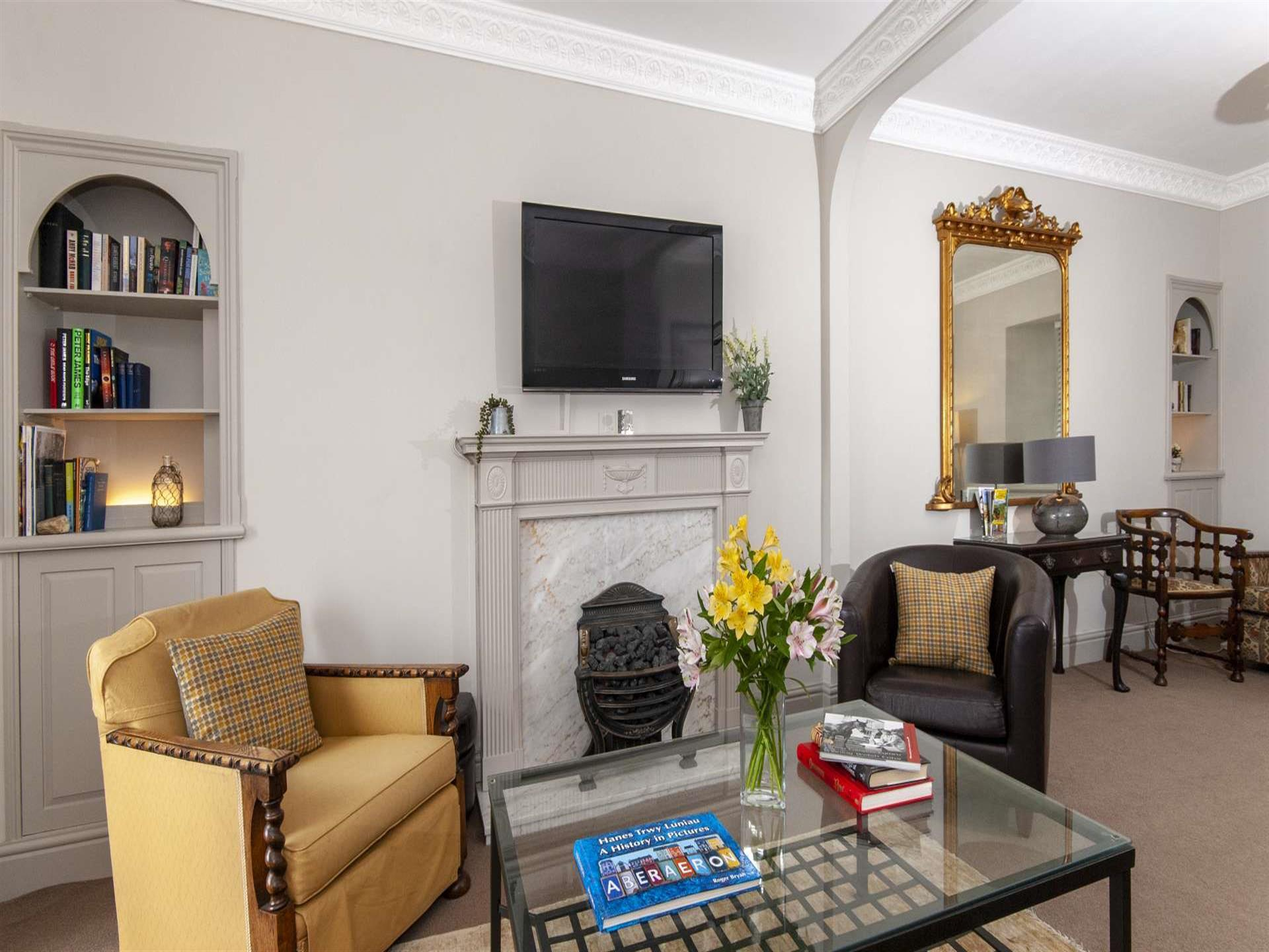 Aberaeron family holiday house - sitting room with