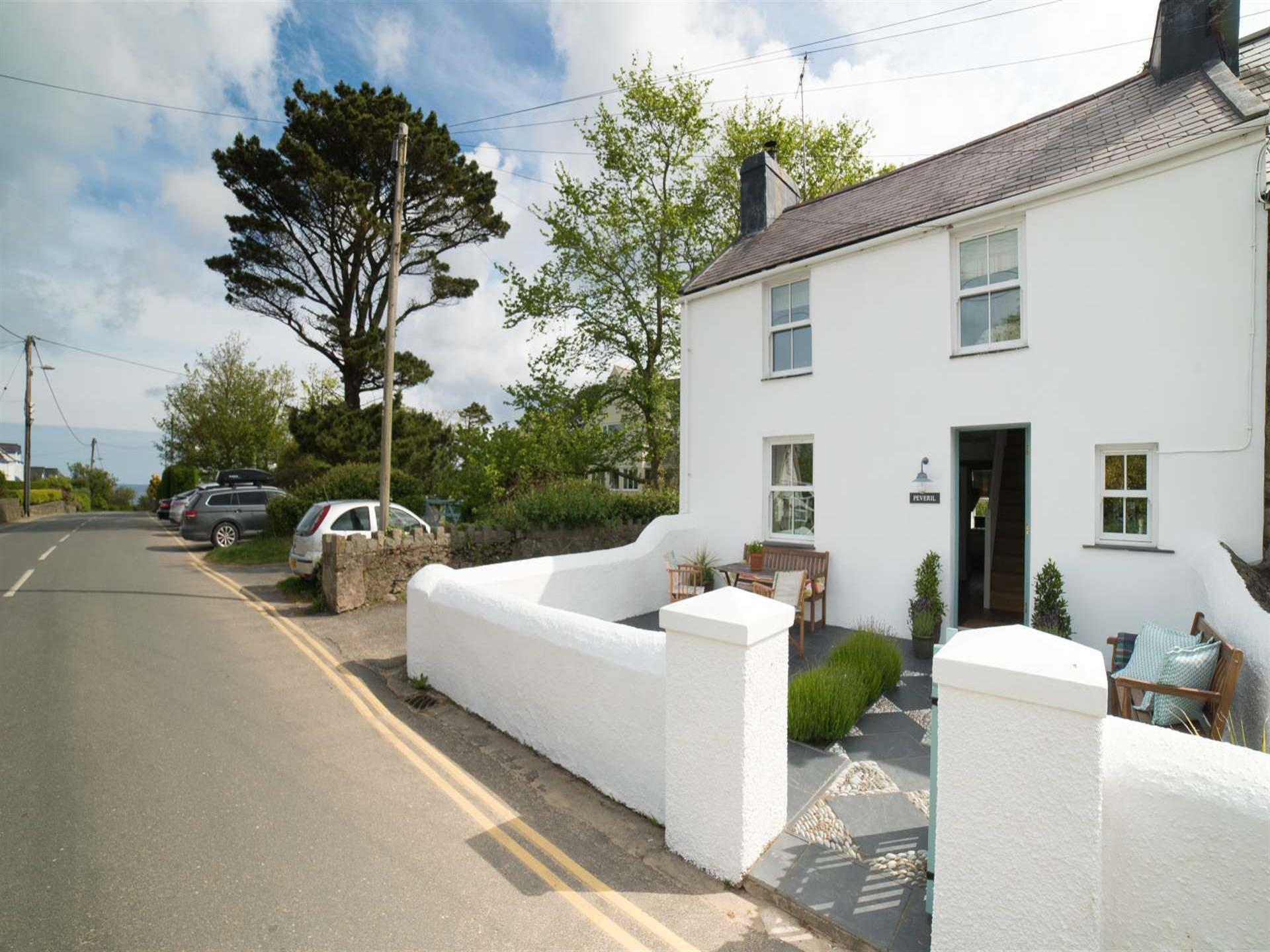 Coastal holiday cottage wales  sleeping 6 - exteri