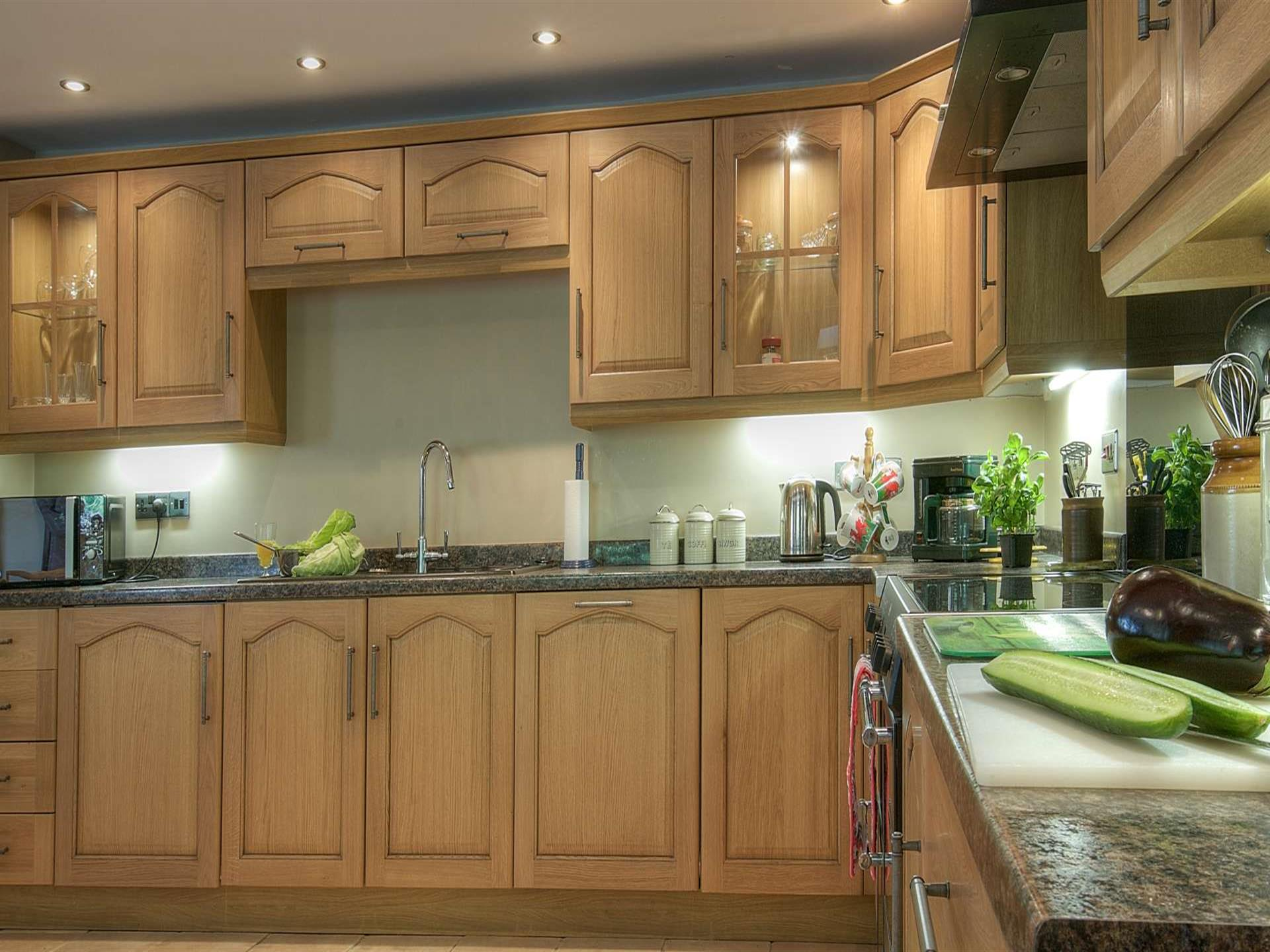 Pet friendly holiday cottage wales - kitchen