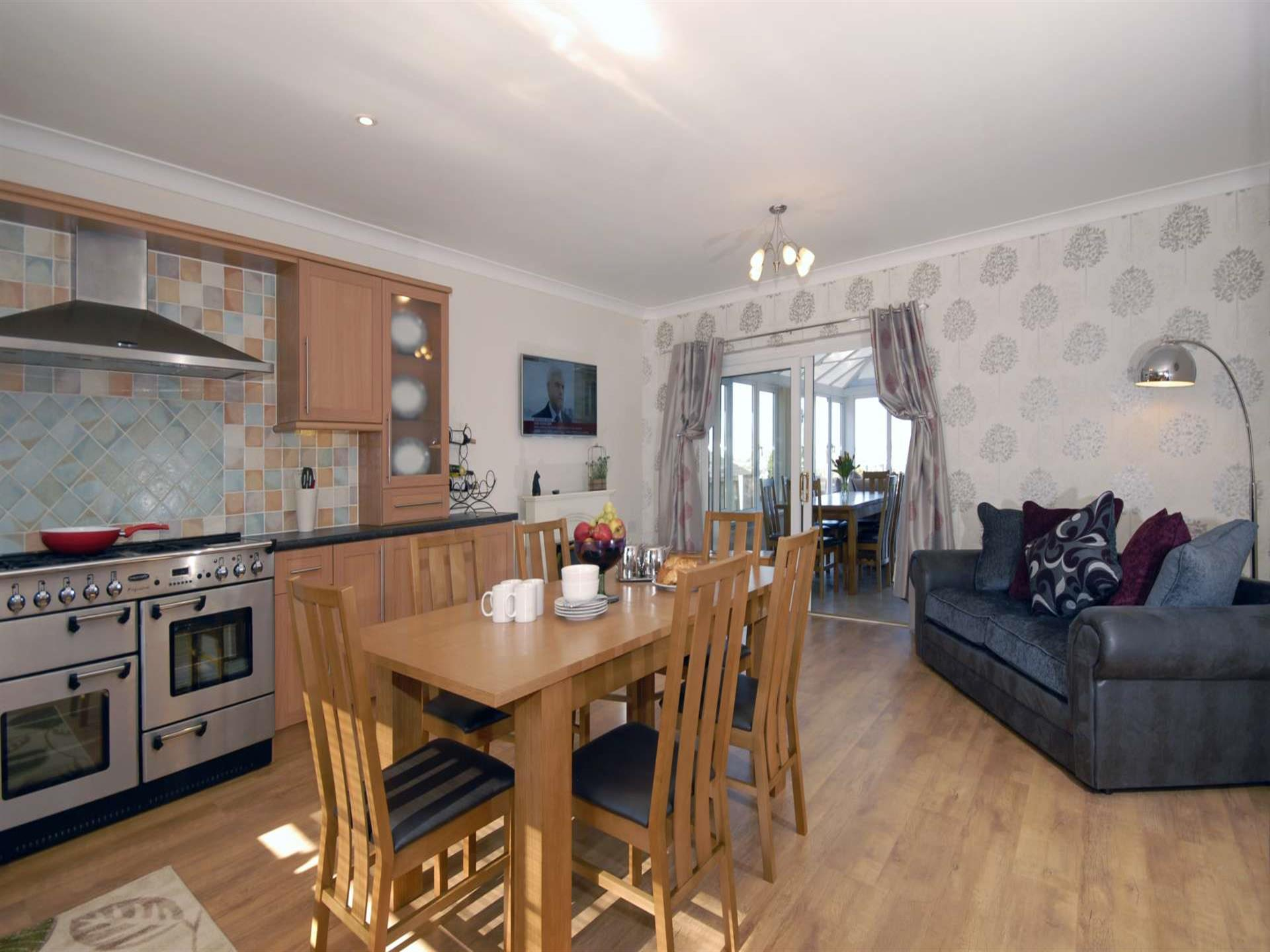 Self-catering Pembrokeshire - luxury kitchen with