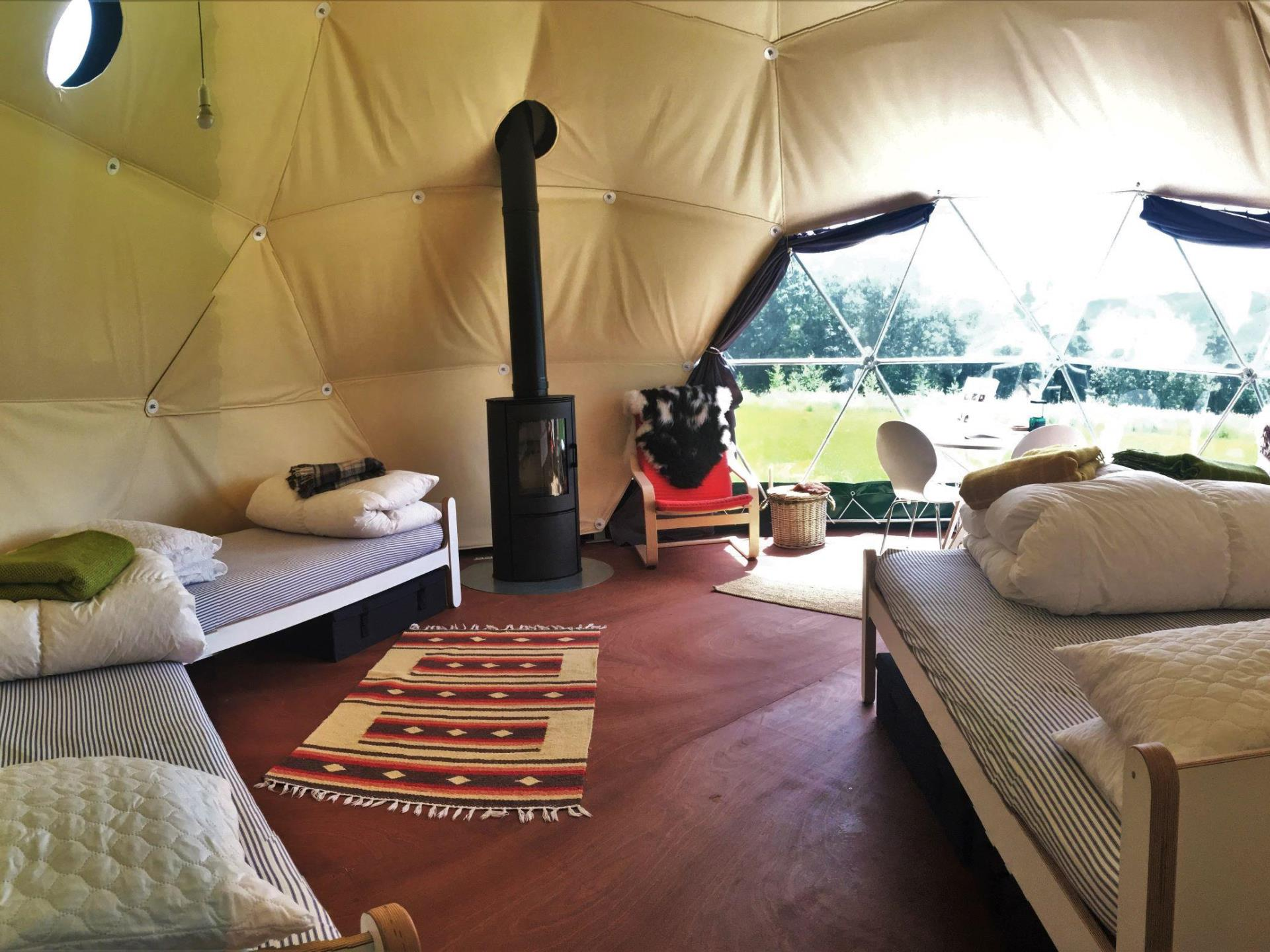 Glamping Nature Domes at Top of the Woods