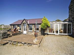 Tal y Bont holiday cottage - exterior