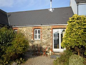 Strumble Head holiday cottage sleeps two - pets we