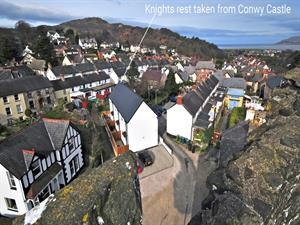 Conwy castle north Wales holiday cottage - exterio