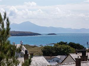 Sea views from No.9 The Retreat holiday house